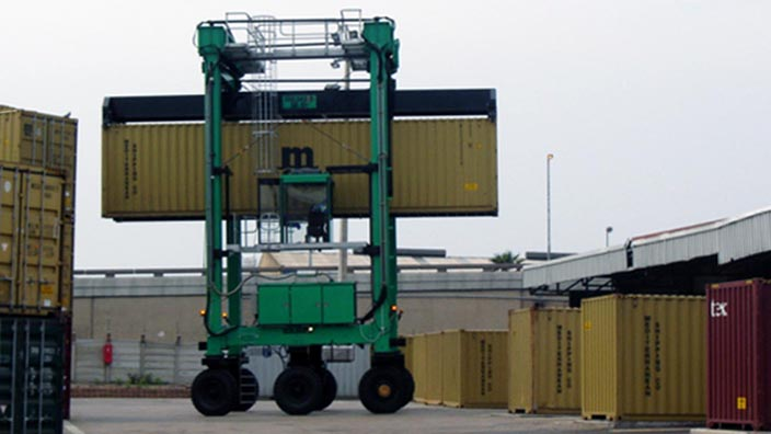 Isoloader Transporter High Performance Straddle Carrier for handling containers in cargo terminals